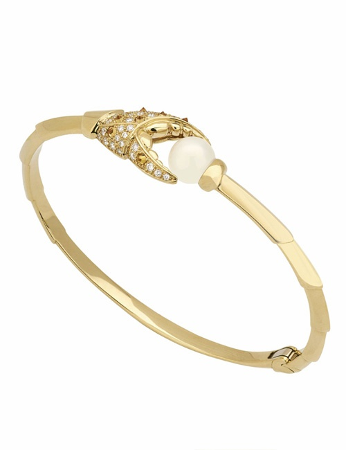 Jewels Verne - Crab Pincer Pearl 18k Yellow Gold Bangle