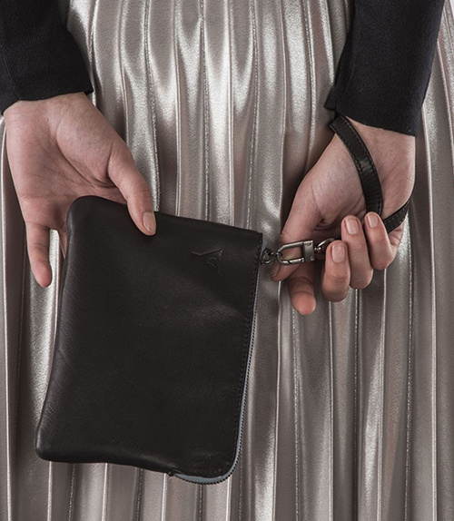 Doris Clutch Black
